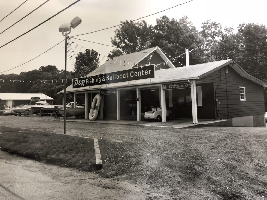 Original D&R Fishing & Sailboat Center