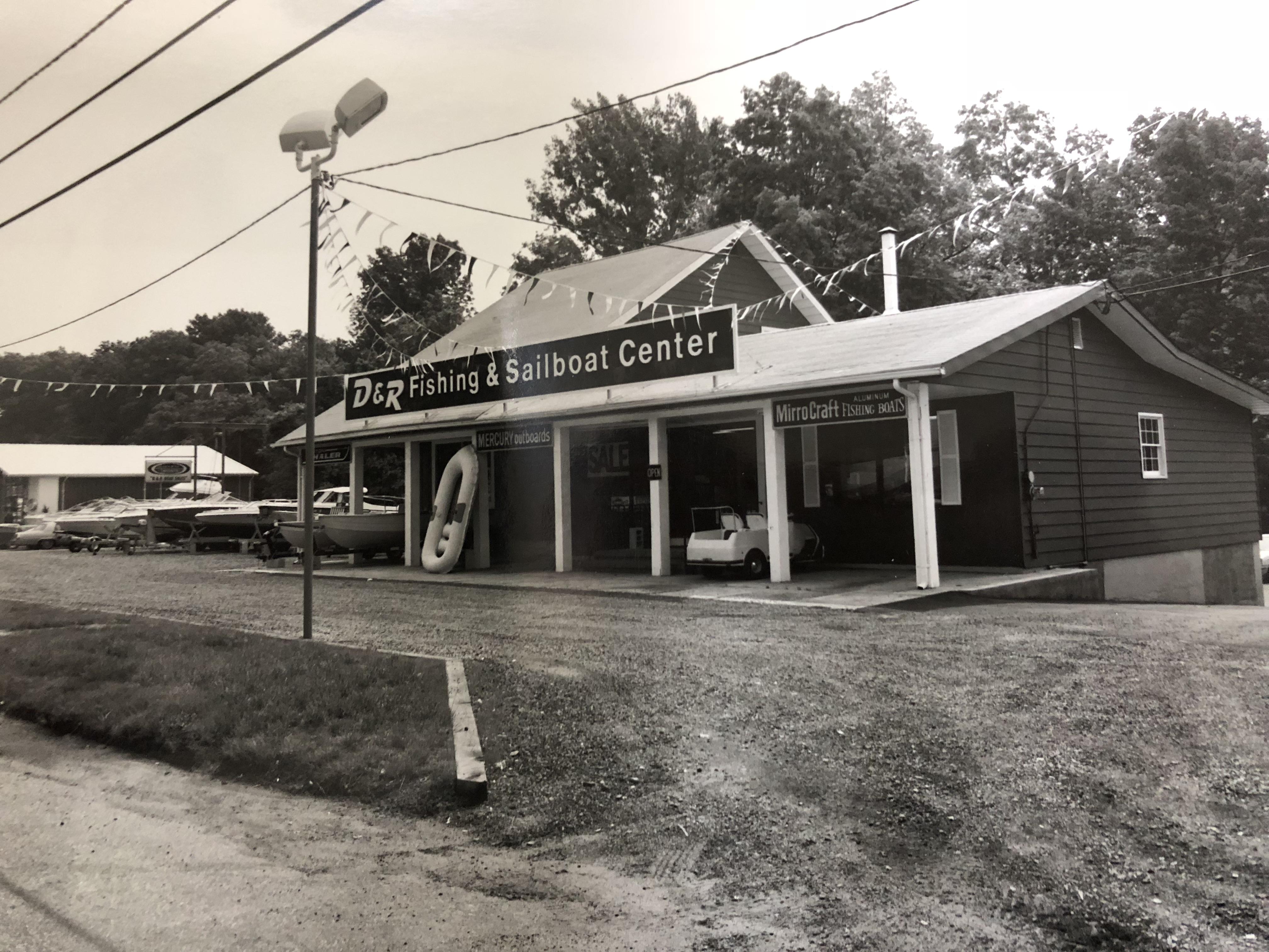 Original D&R Fishing & Sailboat Center