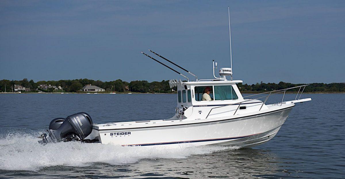 Steiger boat cruising