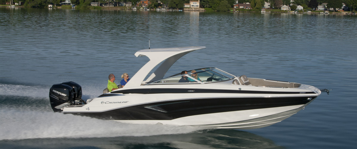 Crownline E29 cruising
